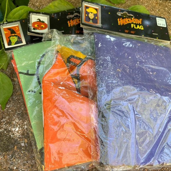 NIB Vintage 90's Halloween Mini Flags 28x40